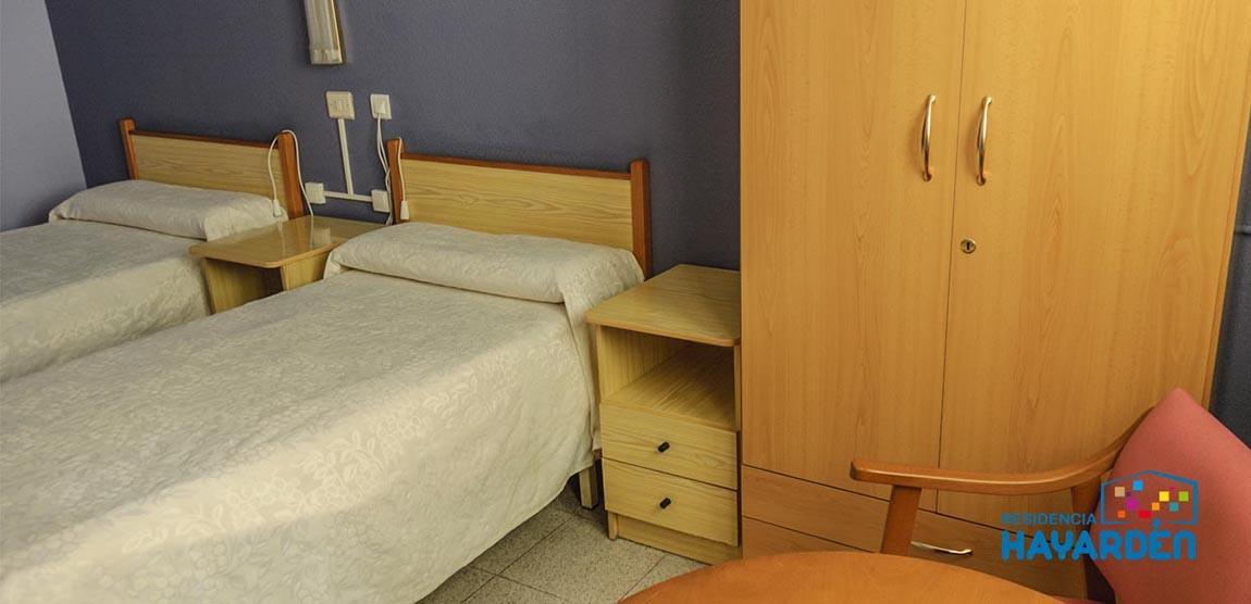 Residencia Hayardén. Habitaciones dobles e individuales. Todas exteriores. Cuarto de baño adaptado, timbre asistencial de llamada.