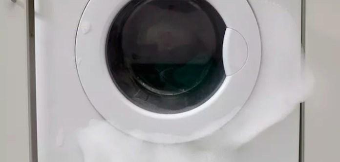 Çamaşır Makinesinde Fazla Deterjan Nasıl Temizlenir?