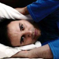 تجنب هذه العادات الخطيرة قبل نومك