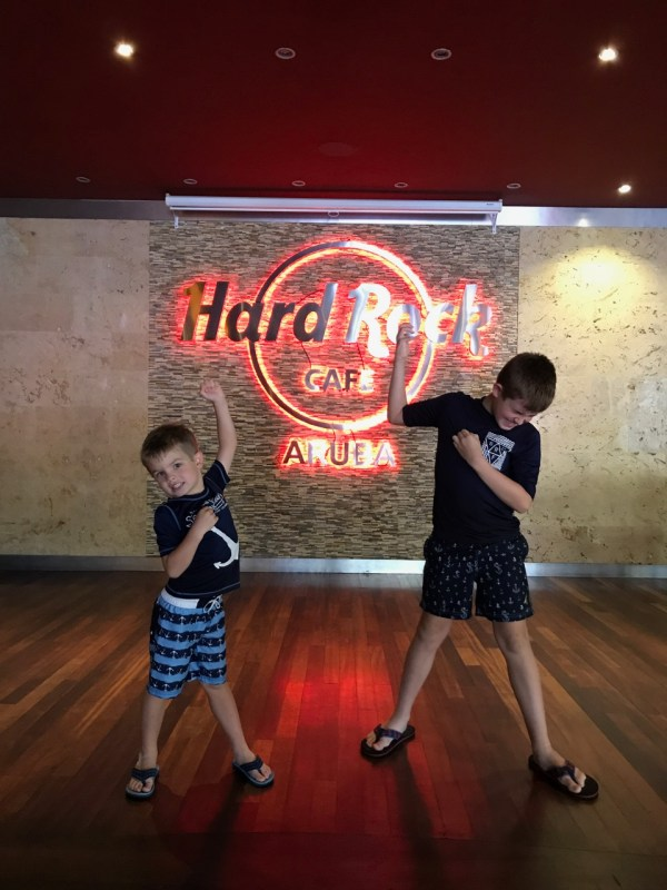 Disney Fantasy - Hard Rock Cafe Aruba