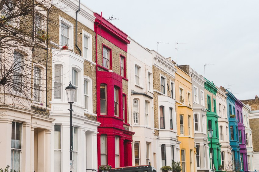 Notting Hill, a fantastic solo travel destination. Click to read my other favourite places to travel alone around the world!