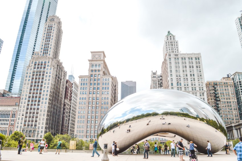 Best places to travel alone in the US: Chicago, Illinois.