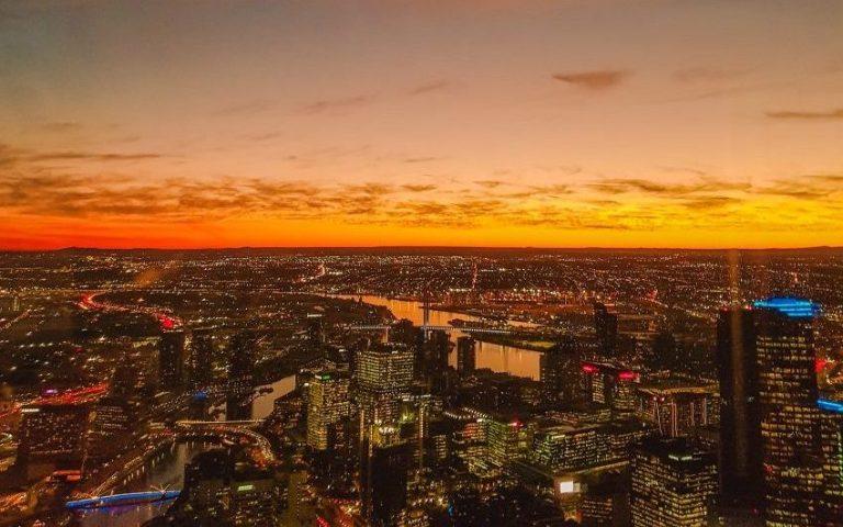 Sunset views from Eureka Skydeck/Eureka Tower in Melbourne, Australia