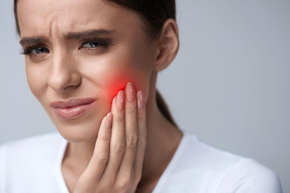 Ascesso dentale: sintomi, cause e rimedi