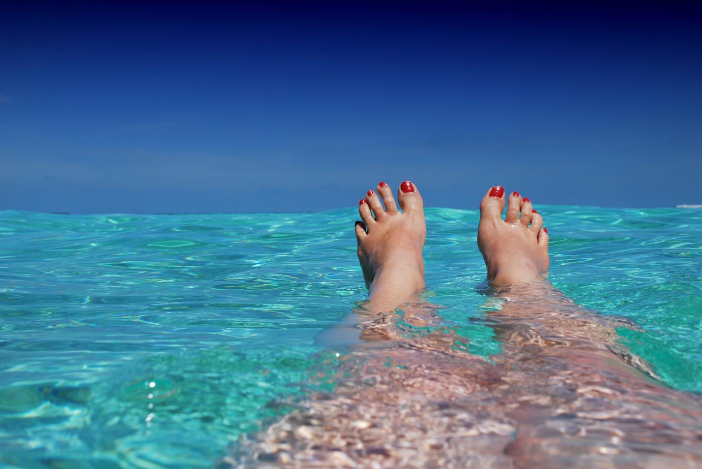 pedicure fai da te - piedi al mare
