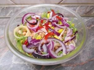 Saláta összerakása