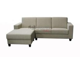 Licht grijze loungebank in stof