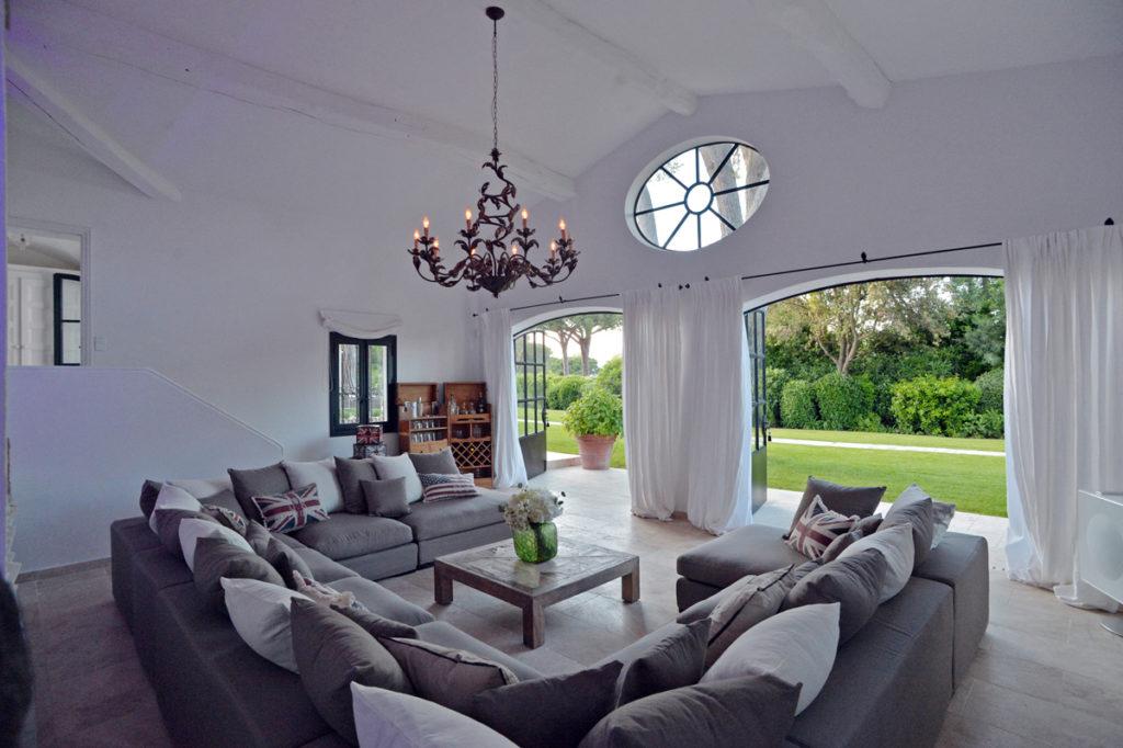 Reception with garden view - Les Parcs de Saint Tropez-reduced