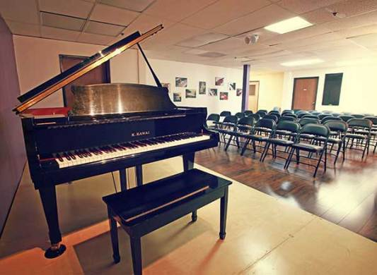 Piano Lessons and More   Huntington Beach School of Music Huntington Beach School of Music s recital hall