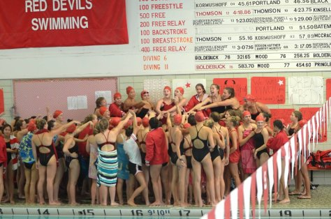 Girls' Swim and Dive qualify for state