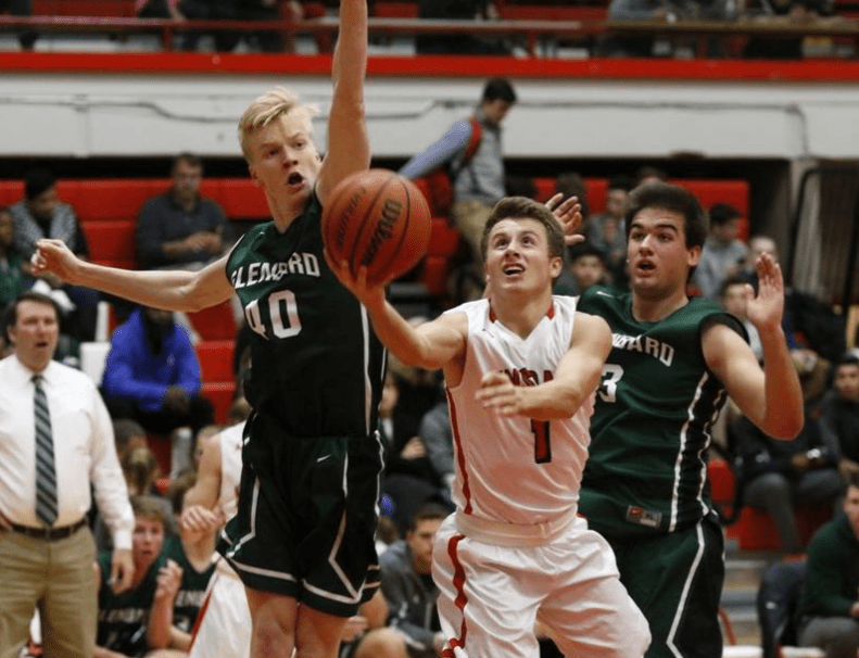 Jack+Hoiberg%2C+senior%2C+attempts+a+layup+in+the+first+matchup+against+Glebard+this+season+on+Jan.+6+in+the+Hinsdale+Central+main+gym.+