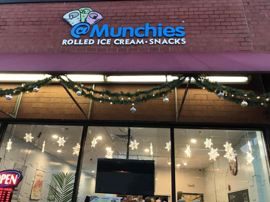 At+Munchies+in+downtown+Naperville+is+quickly+becoming+a+new+hit%2C+as+many+students+visit+for+a+new%2C+popular+dessert.+