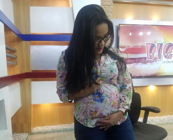 Ariela Cáceres de Andino confirma su segundo embarazo en #HCHVespertino