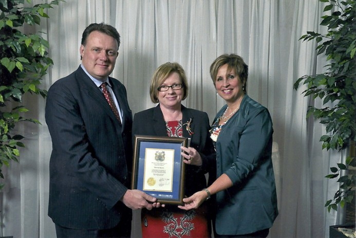 Bonnie---Volunteer-Award