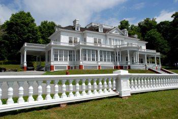 Flat Top Manor Credit Vicki Dameron