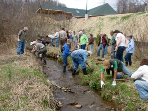 Dozens of folks attended a stream bank repair workshop in a previous year. Photo by Donna Lisenby