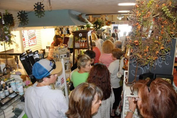 unnamed-5Customers shop the inventory liquidation sale at Shannon's Curtain, Bed and Bath. Photo by Ken Ketchie.