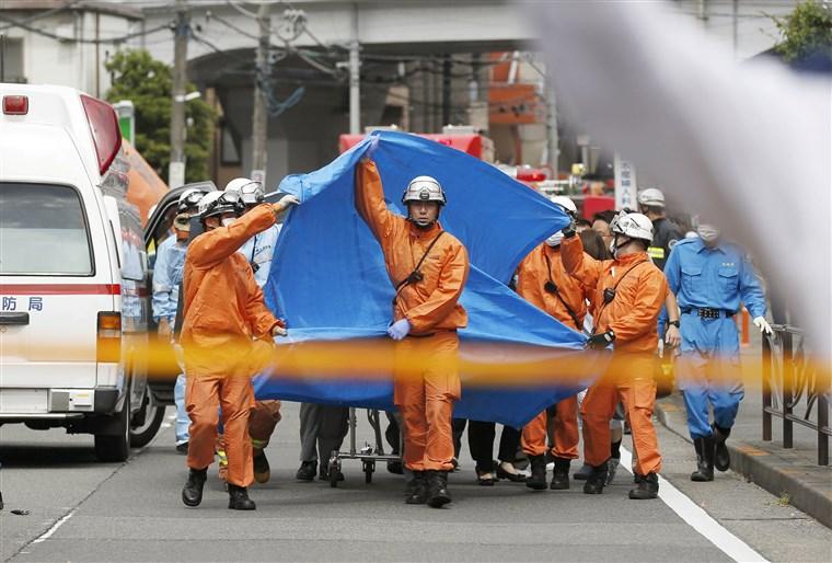 Japan: Nin Weerar Mindi Ku Dilay Laba Qof Oo Ay Ka Mid Tahay Gabadh Ciyaala Iskuul Ah
