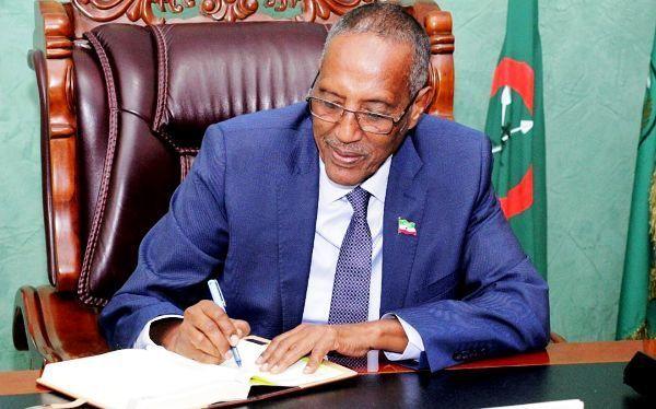 Madaxweynaha Somaliland Oo Dhambaal Hambalyo Ah U Diray Raysal Wasaaraha Ingiriiska