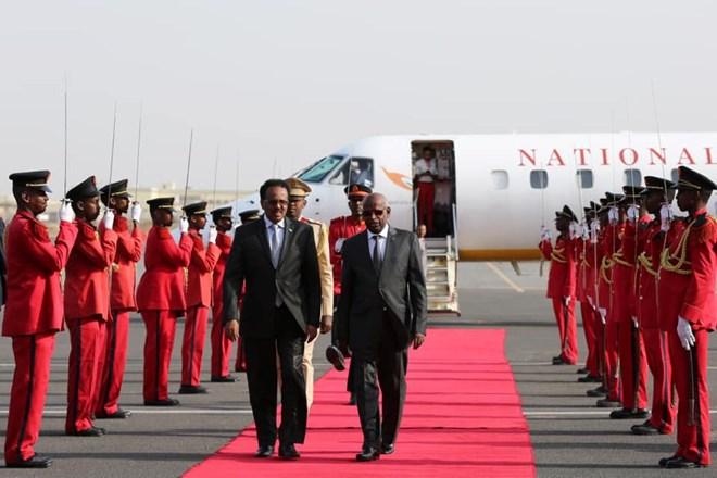 Madaxweynaha Somalia Oo Lagu Soo Dhaweeyey Djibouti