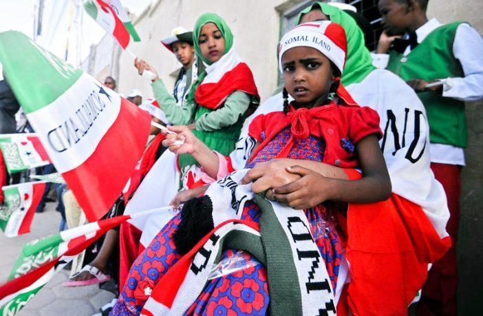Somaliland Iyo Soomaaliya: Laba Dal Oo Mataanno Ah Oo  Muddo Dheer Iska Soo Horjeeday