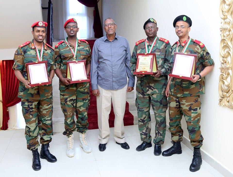Madaxweynaha Somaliland Oo Billado Guddoonsiiyey Saraakiil Guulo Kasoo Hooyey Kulliyad Ciidan Oo Itoobiya Ku Taalla