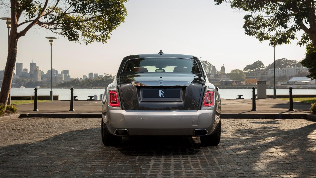 2018 Rolls Royce Phantom 4K Rear Wallpaper HD Car