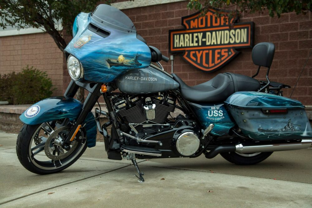 Commemorative USS SOUTH DAKOTA (SSN 790) 2018 Harley-Davidson Street Glide