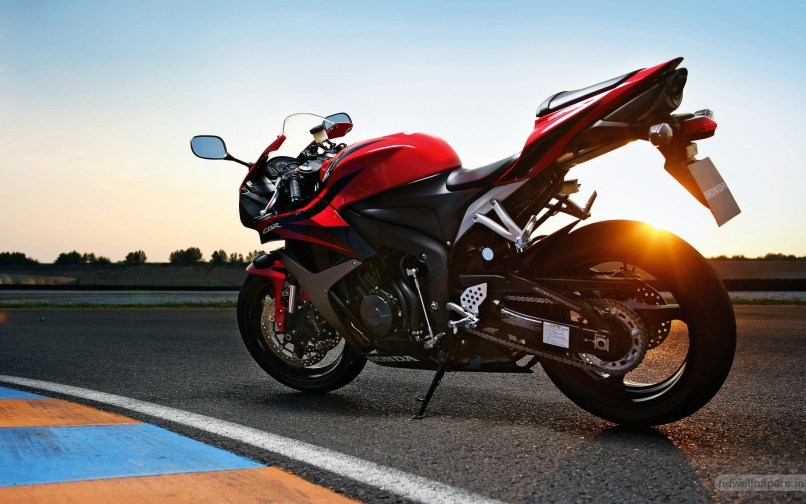 Honda Cbr 600rr Red Hd Bike Photo