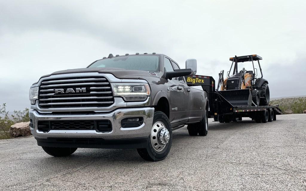 FIRST DRIVE: 2019 Ram 3500 Laramie Longhorn Dually: - HD Rams