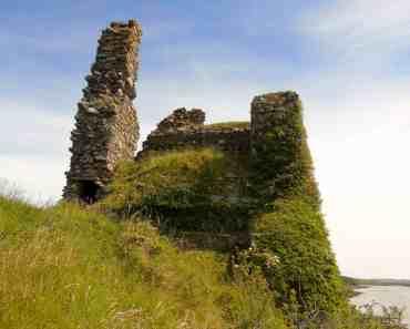 Inch castle ruin