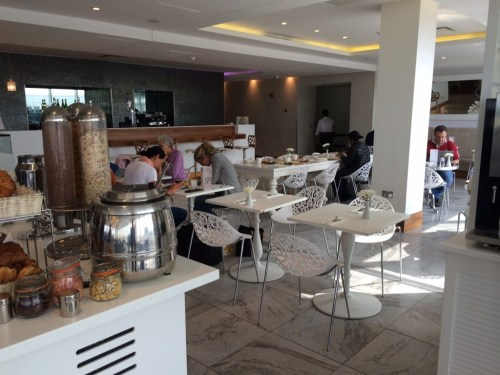 No 1 Traveller Gatwick bar 1 review