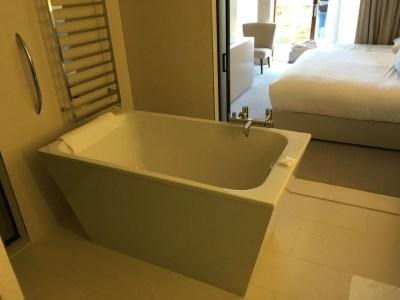 JW Marriott resort hotel Venice bathroom