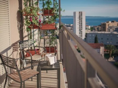 chosen hotel balcony agoda