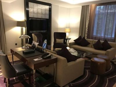 sheraton-grand-park-lane-review park-view-suite-sitting-area