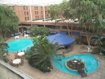 Sheraton Skyline hotel pool