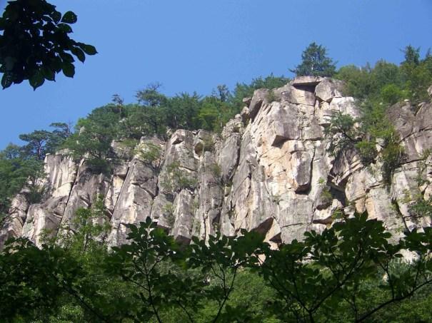 Duta San Byeongpung-am Rock Climbing South Korea