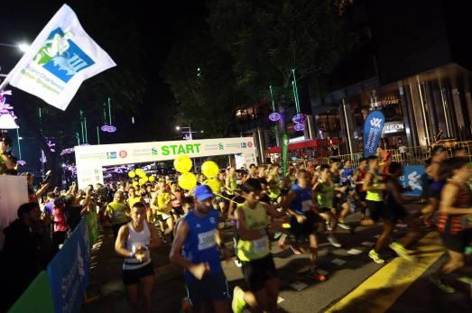 Singapore Marathon Start Orchard 4