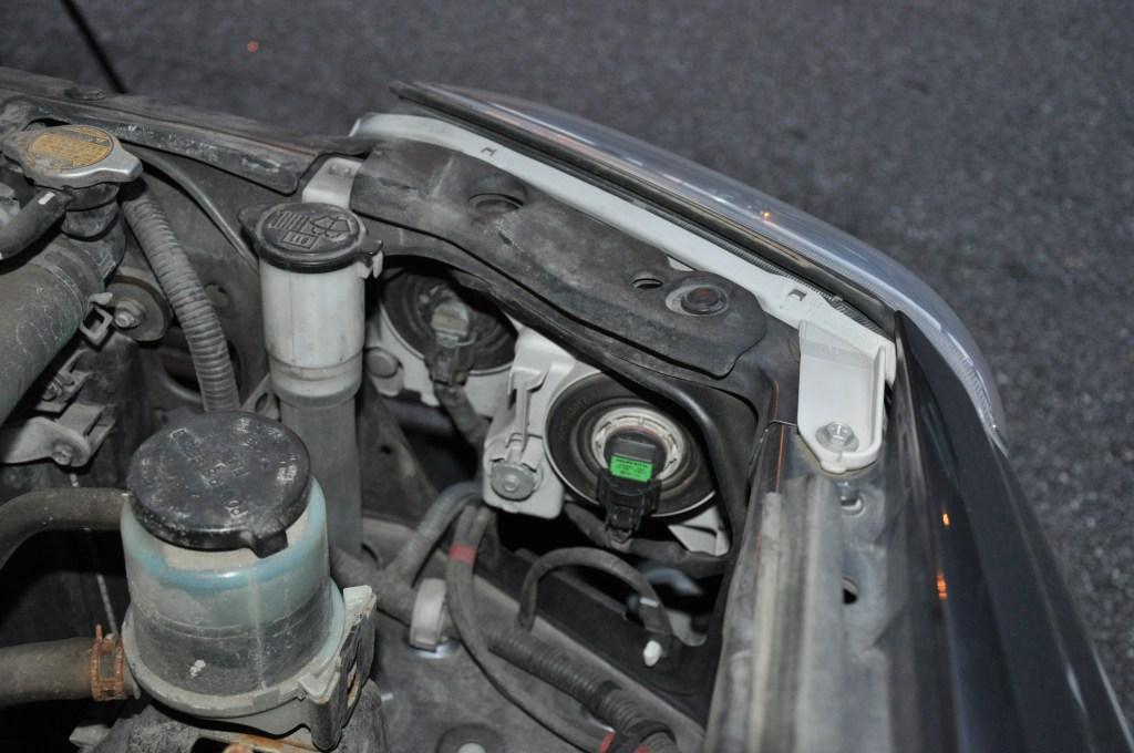 4Runner Headlight Plug