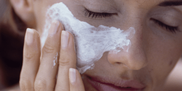 moisturising your skin helps in skin Allergy Relief