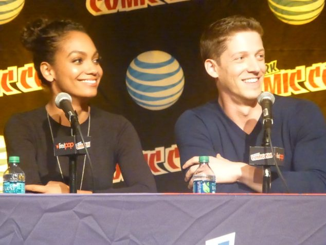 Lyndie Greenwood and Zach Appelman Sleepy Hollow NYCC