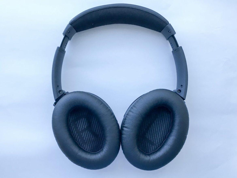 Bose QC35's soft cushion earcups