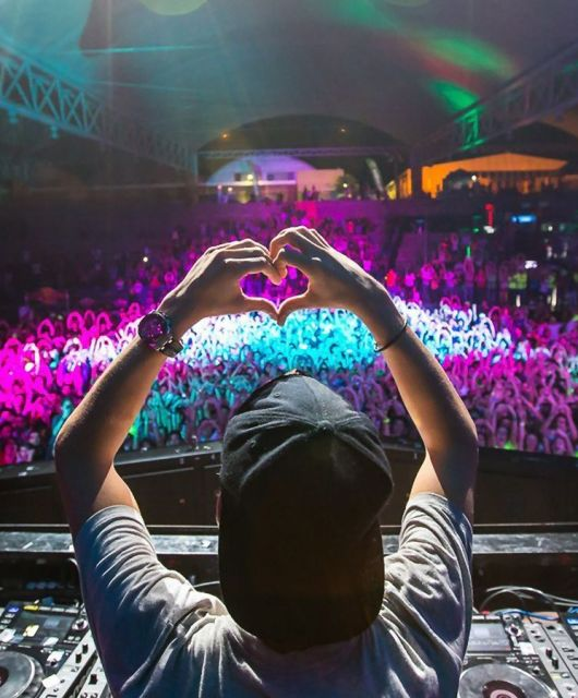 10 Best EDM Artists and Their Headphones