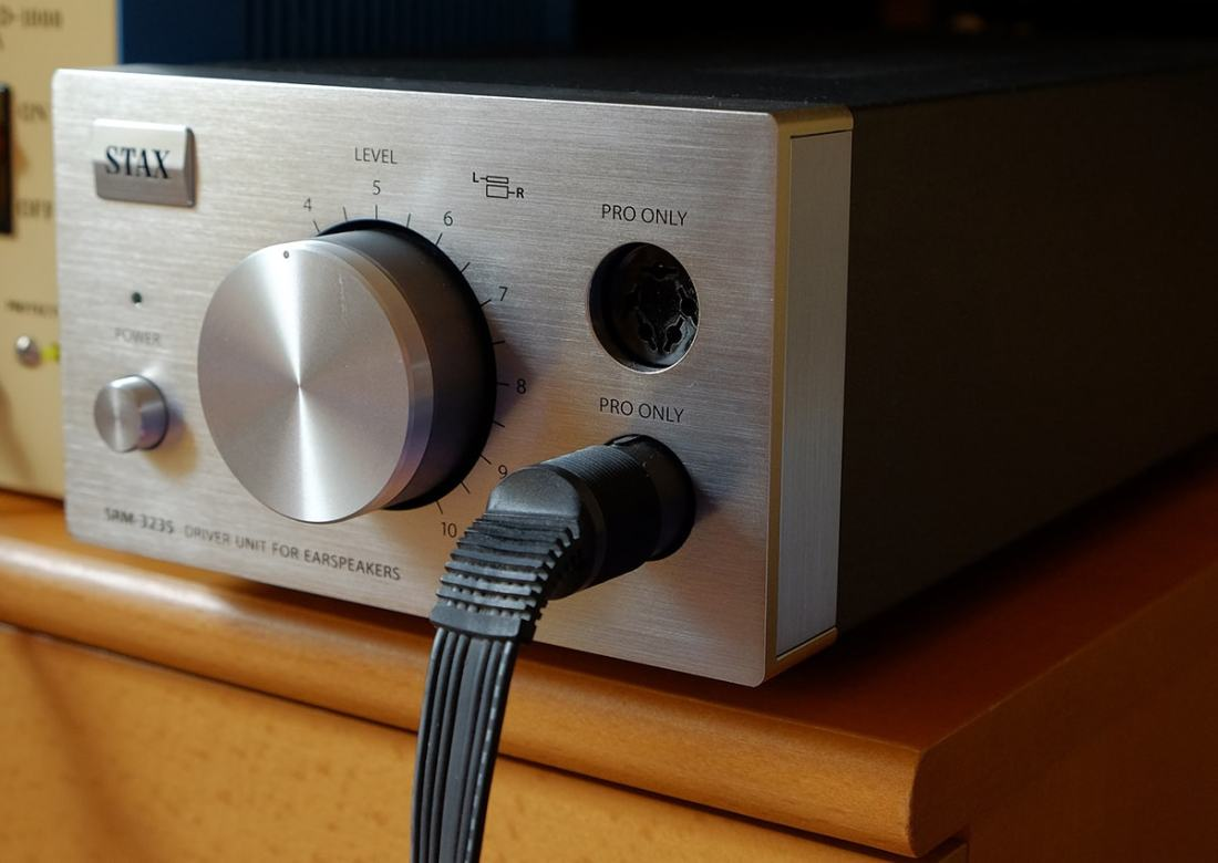 Stax SRM-323S amp used to drive the Lambda Pro