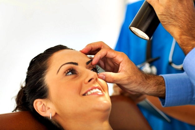 Undergo Eye Checkup | Ways to Keep Your Eyes Healthy This Winter