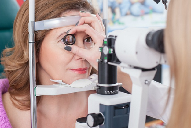 Frequent Eye Exams | How To Prevent Age-Related Macular Degeneration