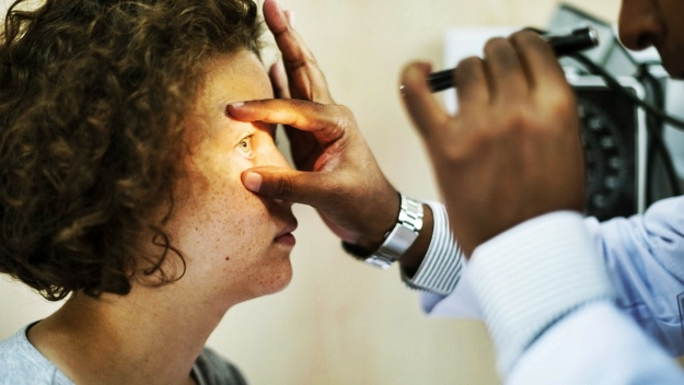 Which Health Issues Cause Bulging Eyes? | What Is Proptosis And What Are The Signs You Could Have It?