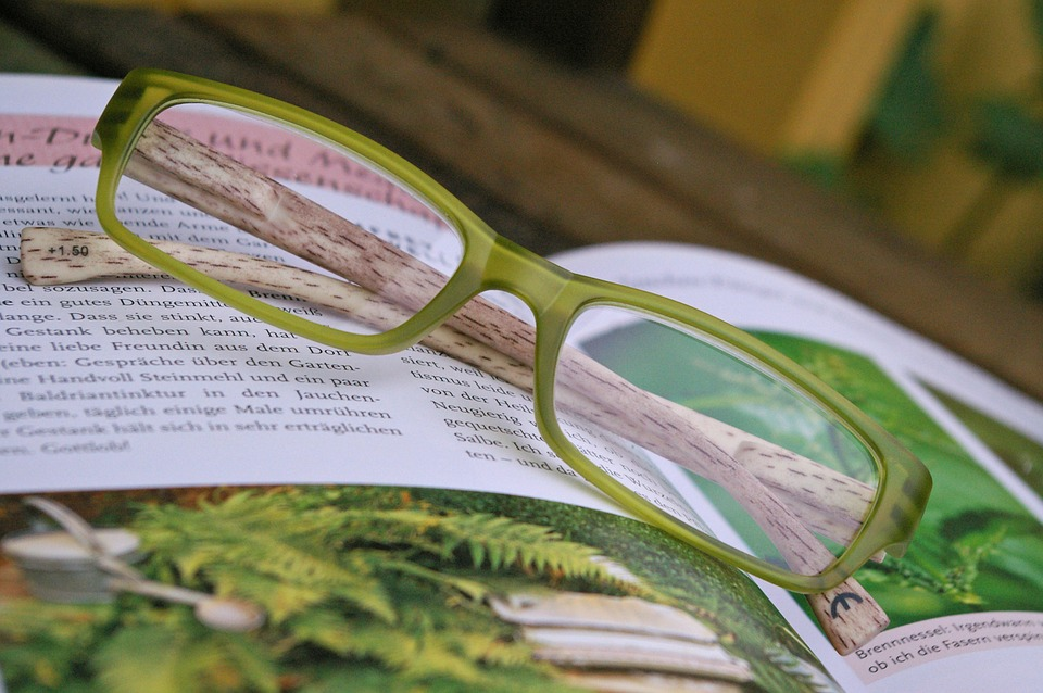Difference between Progressive Lenses Versus Bifocals