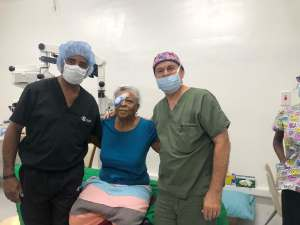 Ask Dr. Kondrot a question. Live from the Jamaica Eye Mission