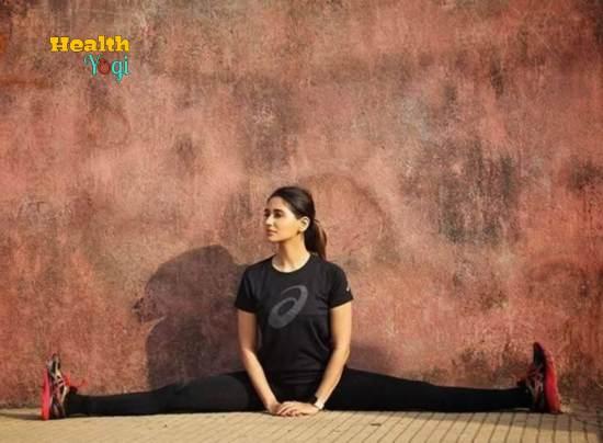 Nikita Dutta Yoga HD Photo